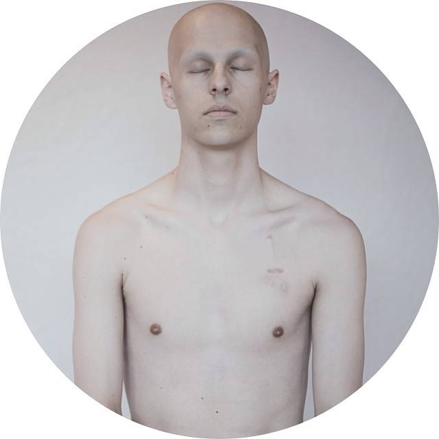 One of the amazing portraits that bravely show the fragile state his body was in.