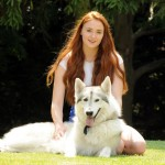 Sophie Turner Game of Thrones Sensa Stark wolf papersnack.com