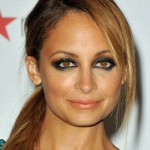 Nicole-Richie-aqua-eye_article_new