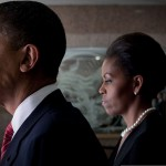 800px-Barack_&_Michelle_Obama_prepare_to_attend_Fort_Hood_memorial_service_2009-11-10