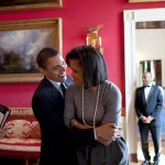 800px-Obamas_in_Red_Room_with_Valerie_Jarrett