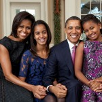 1024px-Barack_Obama_family_portrait_2011