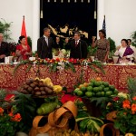 800px-Barack_Obama_at_state_dinner_in_Jakarta