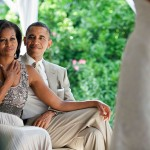 800px-Barack_and_Michelle_Obama_watching_a_wedding