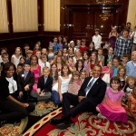 800px-Obamas_with_children_at_U.S._embassy_in_Berlin,_2013