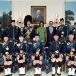 Obama_with_the_Air_Force_Pipe_Band