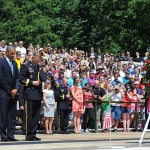 POTUS_places_wreath_at_Tomb_of_the_Unknowns_140526-G-ZX620-004